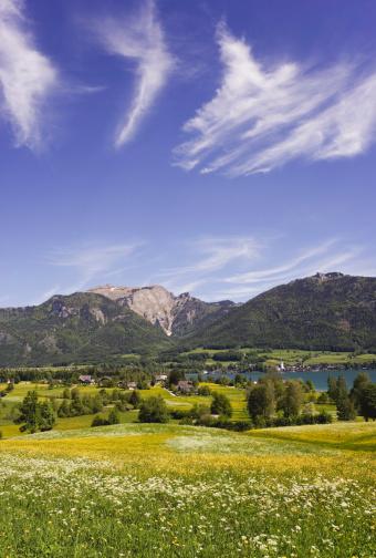 Salzkammergut「Austria, Salzkammergut, Lake Wolfgangsee, Schafberg mountain in background」:スマホ壁紙(19)