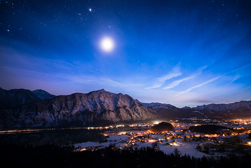 Moon「Austria, Salzkammergut, Steeg and Bad Goisern at night」:スマホ壁紙(10)