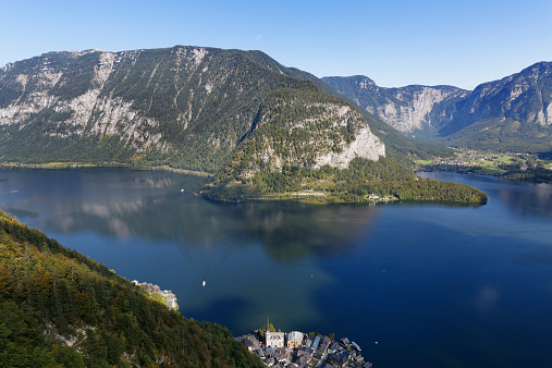 Dachstein Mountains「Austria, Salzkammergut, Hallstatt, Lake Hallstatt」:スマホ壁紙(5)