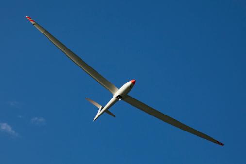 Gliding「Austria, Salzburg, glider in front of blue sky」:スマホ壁紙(3)