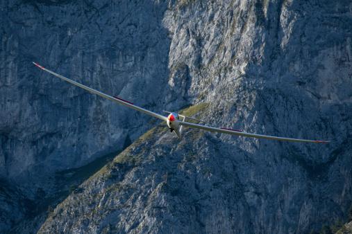 Glider「Austria, Salzburg, glider in front of mountain face in the Alps」:スマホ壁紙(18)