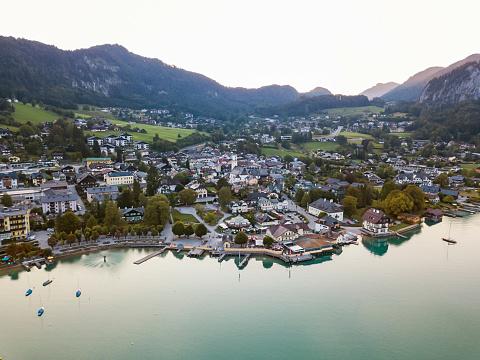 Salzkammergut「Austria, Salzburg State, Sankt Gilgen at Wolfgangsee」:スマホ壁紙(1)
