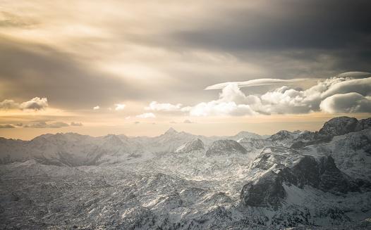 Dachstein Mountains「Austria, Salzkammergut, Dachstein massif at sunrise」:スマホ壁紙(10)