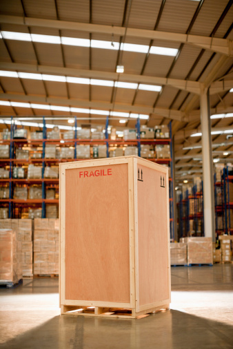 Freight Transportation「Wooden crate in warehouse」:スマホ壁紙(3)
