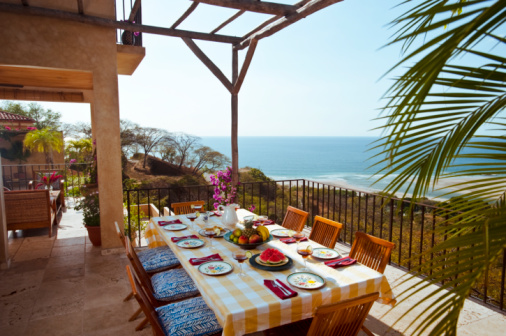 Central America「Table set for meal on patio, Pacific Ocean view」:スマホ壁紙(9)