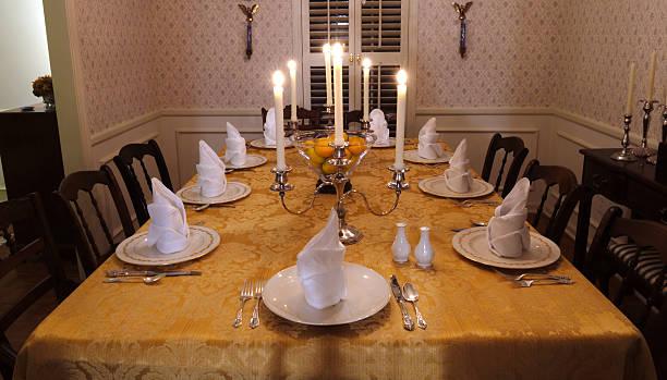 Table Set for a Feast:スマホ壁紙(壁紙.com)