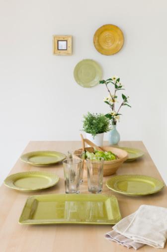 皿「Table set for dinner」:スマホ壁紙(6)