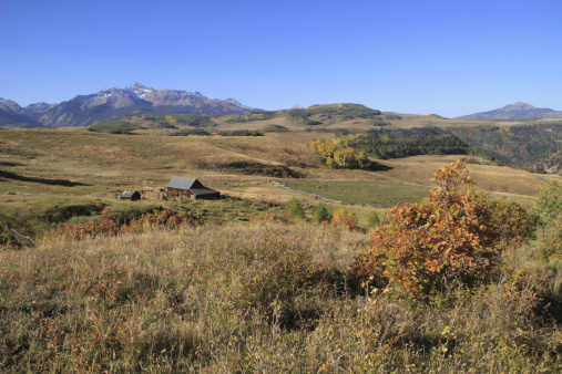Uncompahgre National Forest「Barn and Wilson Peak (14,017 ft), autumn」:スマホ壁紙(12)