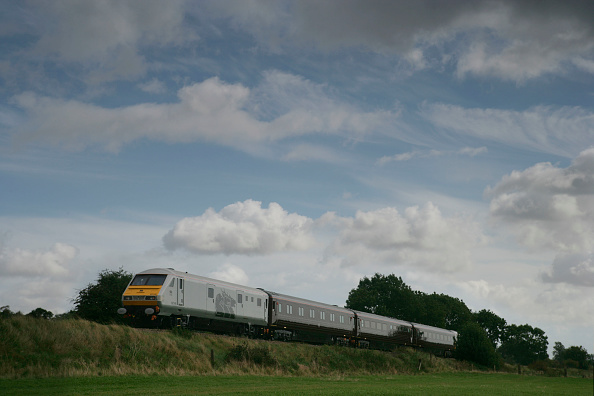 Finance and Economy「EWS corporate train in the Leicestershire countryside. October 2005」:写真・画像(9)[壁紙.com]