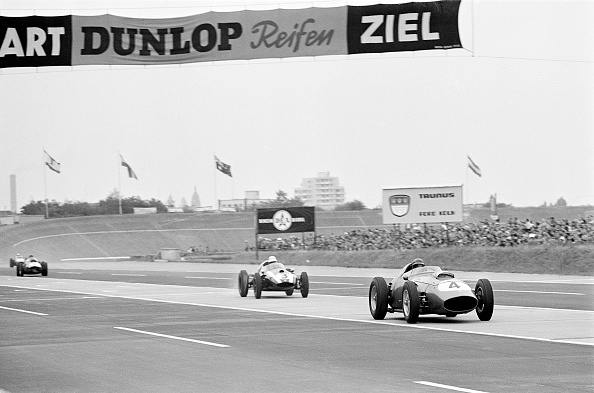 Motor Racing Track「Ferrari At The German GP」:写真・画像(17)[壁紙.com]