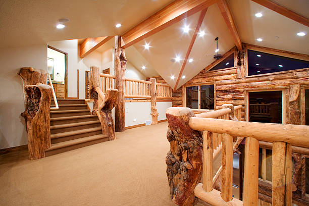Stairway Landing under Vaulted Ceiling in Contemporary Log House:スマホ壁紙(壁紙.com)