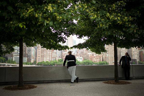 Drew Angerer「Naturalization Ceremony Held On New York's FDR Park」:写真・画像(0)[壁紙.com]