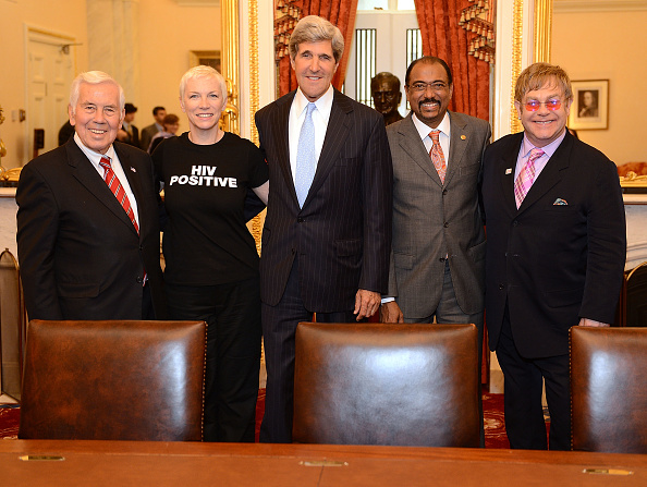 John Kerry「The Elton John AIDS Foundation and UNAIDS Breakfast」:写真・画像(9)[壁紙.com]
