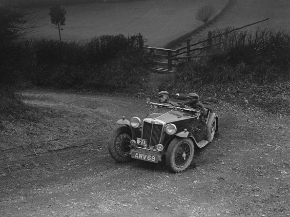 Steep「MG TA of HV Slade competing in the MG Car Club Midland Centre Trial, 1938」:写真・画像(18)[壁紙.com]