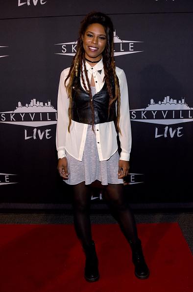 Fully Unbuttoned「Skyville Live in Nashville」:写真・画像(8)[壁紙.com]