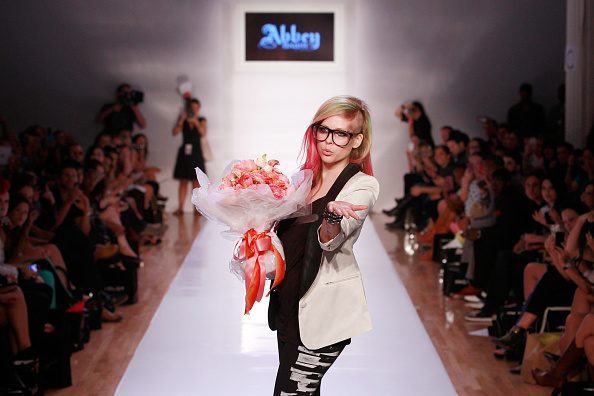 Two-Toned Hair「Abbey Dawn By Avril Lavigne - Runway - Spring 2013 Style360」:写真・画像(17)[壁紙.com]