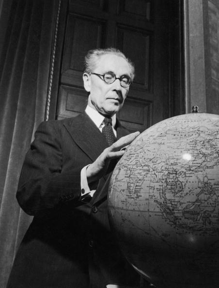 Globe - Navigational Equipment「Noel-Baker's World」:写真・画像(15)[壁紙.com]