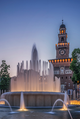 Spraying「Ornate fountain near clock tower, Milano, Lombardia, Italy」:スマホ壁紙(4)