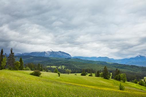 cloud「春の山」:スマホ壁紙(0)