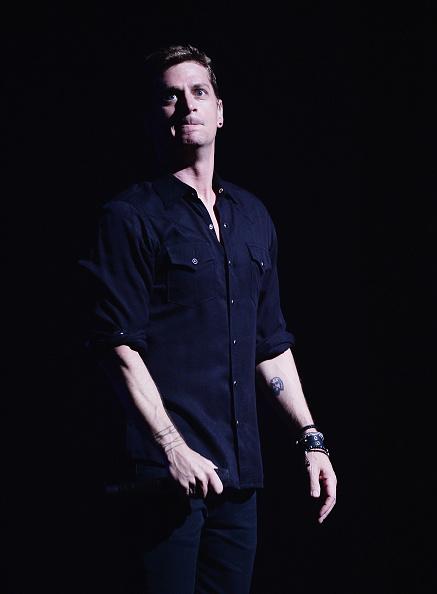 Three Quarter Length「Rob Thomas With The Plain White T's In Concert - New York, New York」:写真・画像(7)[壁紙.com]