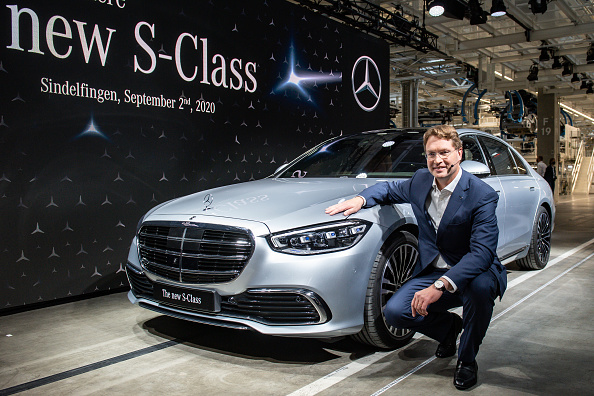 Vehicle Brand Name「Mercedes-Benz AG Presents New Factory And S-Class Luxury Car」:写真・画像(1)[壁紙.com]