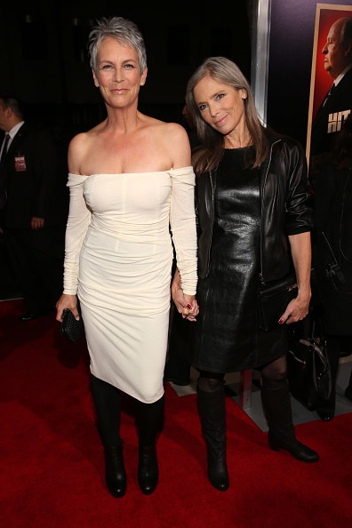 """Holding Hands「Premiere Of Fox Searchlight Pictures' """"Hitchcock"""" - Red Carpet」:写真・画像(0)[壁紙.com]"""