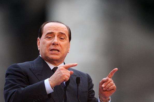 Franco Origlia「Berlusconi Holds Campaign Rally At The Colosseum」:写真・画像(18)[壁紙.com]