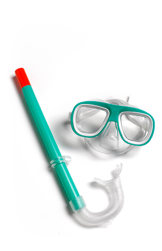 Snorkeling「Child's snorkel and goggles on white background」:スマホ壁紙(2)