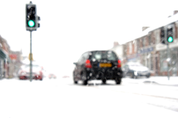Green Light「Driving in difficult winter condition」:写真・画像(5)[壁紙.com]