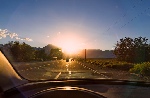 Car Point of View「Driving in bright Sunlight」:スマホ壁紙(15)
