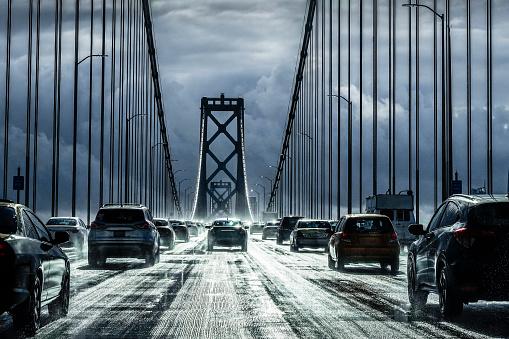 対称「Driving in the rain on the Bay Bridge」:スマホ壁紙(18)
