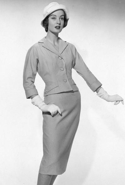 Three Quarter Length「Rosecroft Suit」:写真・画像(19)[壁紙.com]