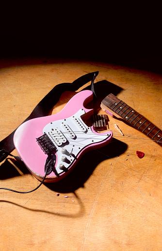 Rock Music「Smashed pink electric guitar on stage」:スマホ壁紙(4)