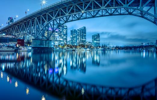 Vancouver - Canada「Granville  Bridge at night」:スマホ壁紙(13)