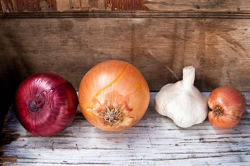 Onion「Onions and garlic」:スマホ壁紙(16)