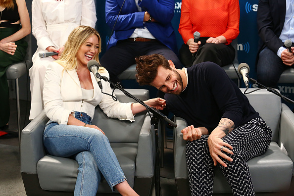 Hilary Duff「The Cast of YOUNGER Visits the SiriusXM Studios for SiriusXM's Town Hall Featuring Hilary Duff, Sutton Foster, Miriam Shor, Molly Bernard, Debi Mazar, Peter Hermann, Nico Tortorella and Darren Star」:写真・画像(5)[壁紙.com]