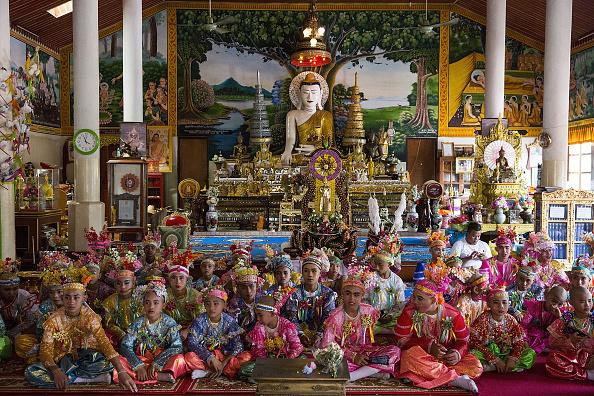 式典「Poy Sang Long Ethnic Buddhist Ordination Festival In Thailand」:写真・画像(11)[壁紙.com]