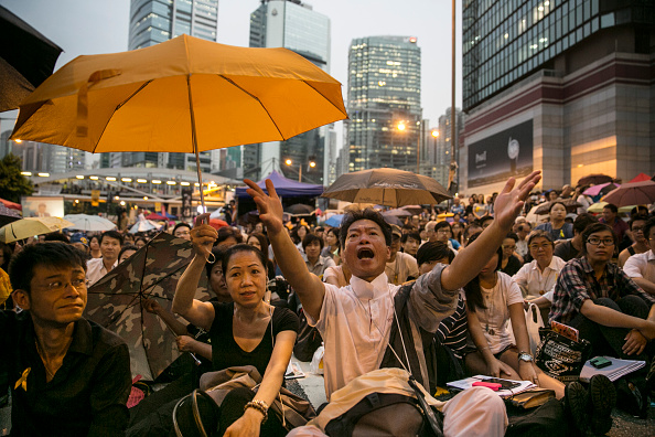 Occupy Central「Hong Kong Pro-Democracy Rallies Enter Week Four Despite Police Efforts To Clear The Streets」:写真・画像(15)[壁紙.com]