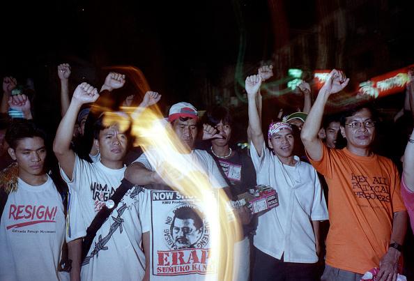 Wooden Post「Massive Protsts in Manila Against Philippine President」:写真・画像(15)[壁紙.com]