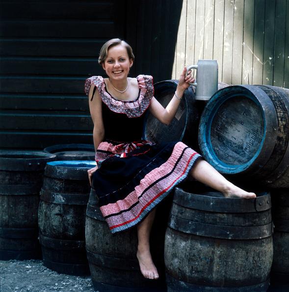 Traditional Clothing「Michaela von Habsburg」:写真・画像(19)[壁紙.com]