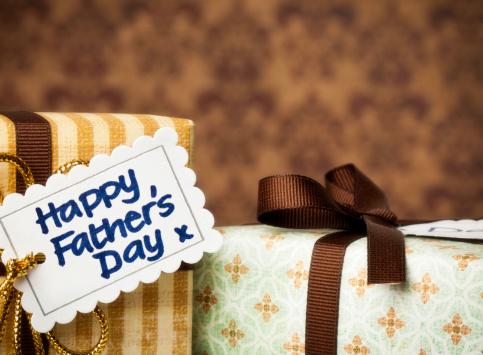 父の日「ギフトのパパ」:スマホ壁紙(14)