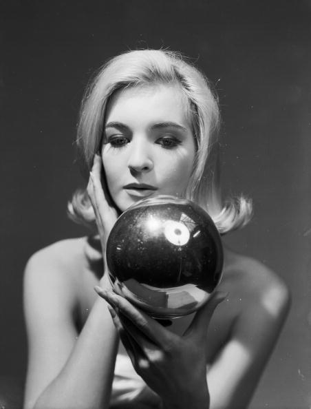 Chaloner Woods「Silver Ball」:写真・画像(3)[壁紙.com]