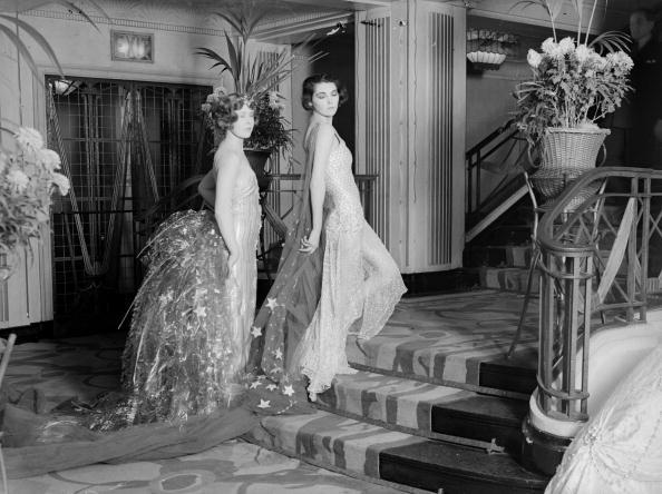 女性「Long Ballgowns」:写真・画像(18)[壁紙.com]