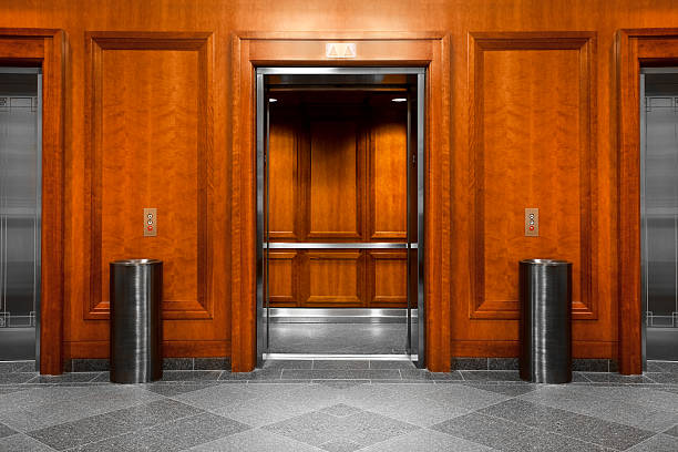 Elevator in a modern office building:スマホ壁紙(壁紙.com)