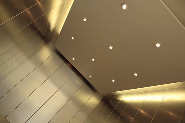 Elevator Interior:スマホ壁紙(壁紙.com)