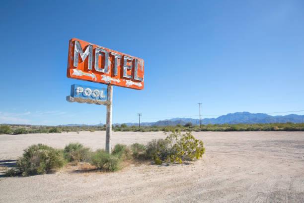 Old motel sign.:スマホ壁紙(壁紙.com)