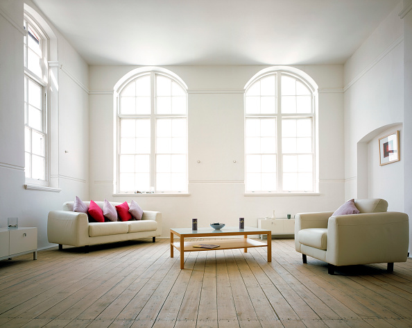 Empty「Lounge area of loft apartment in converted building.」:写真・画像(0)[壁紙.com]