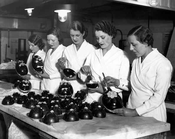 イースター「Making Easter Eggs」:写真・画像(1)[壁紙.com]
