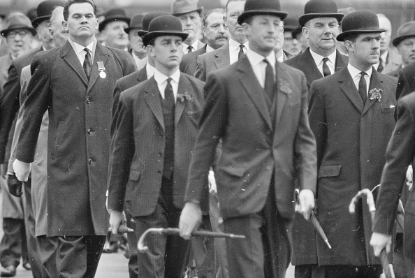 Conformity「Marching Suits」:写真・画像(17)[壁紙.com]