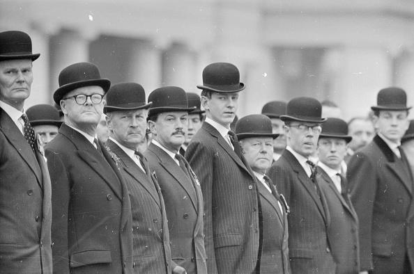 Conformity「A Parade Of Suits」:写真・画像(19)[壁紙.com]